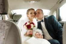 Фотосъемка свадьбы Михаила и Юлии в Круглом - в машине